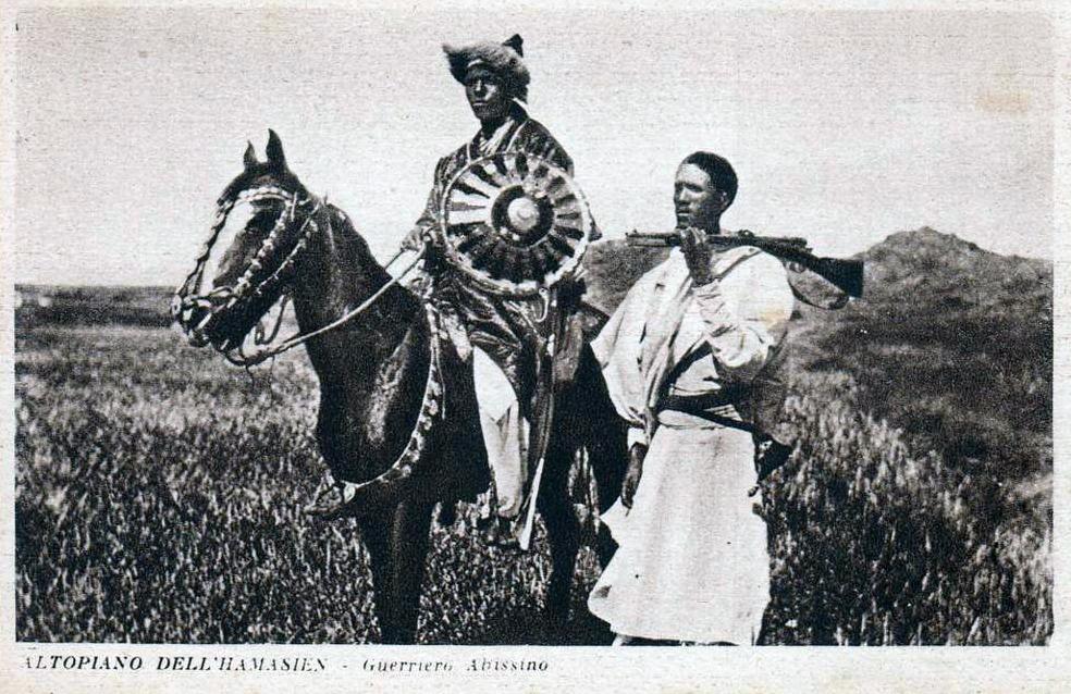Sei su: guerriero etiope a cavallo con aiutante.