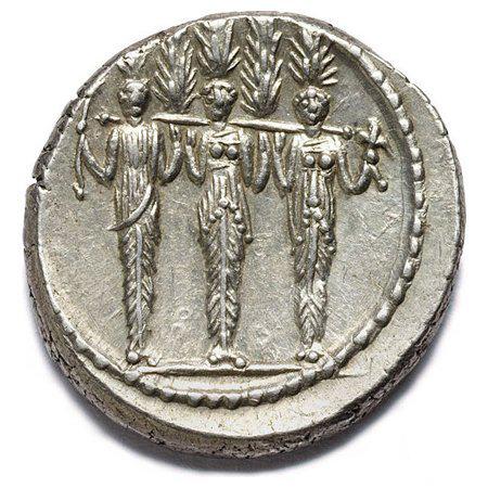 /R di un denario d'argento del 43 a.C. con la statua di culto del lucus di Diana Nemorensis